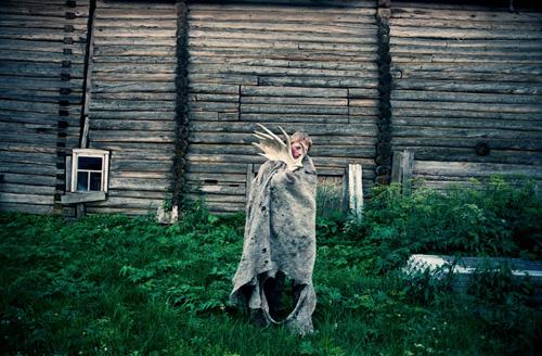 Daria-Tuminas-Ivan-and-the-Moon-06-FF20111