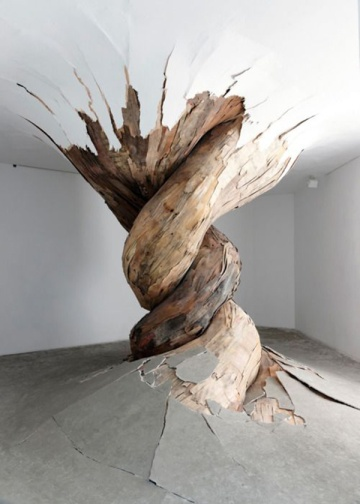 Henrique Oliveira plywood art