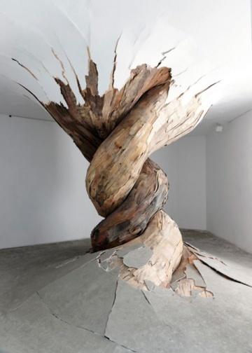 Henrique Oliveira plywood art